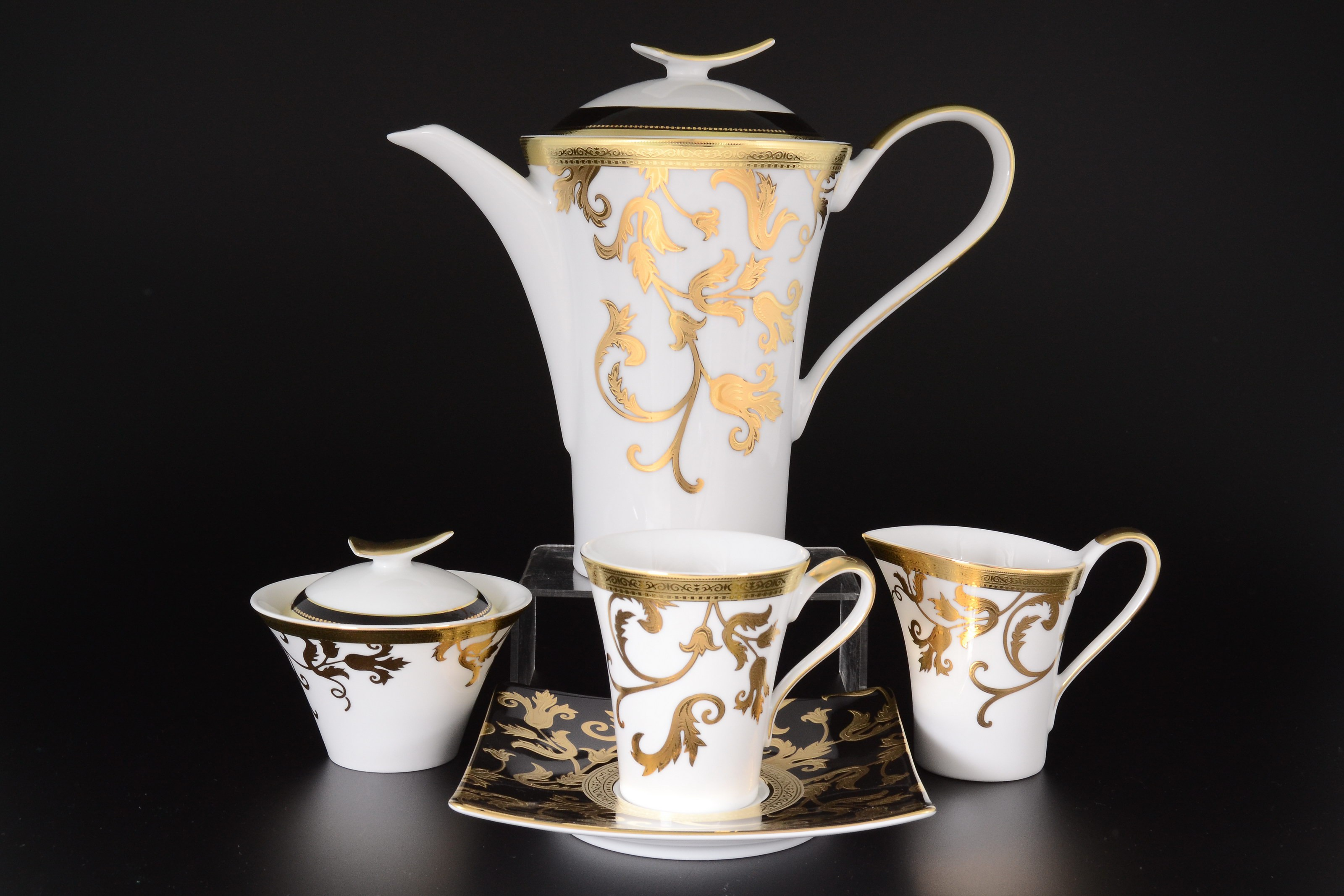 Фарфоровый чайный сервиз TOSCA BLACK GOLD от Falkenporzellan на 6 персон, 17 предметов (квадратные блюдца)