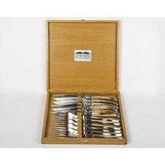 Набор ножей и вилок ЛАГЬОЛЬ с рукоятками из светлого рога от Goyon-Chazeau